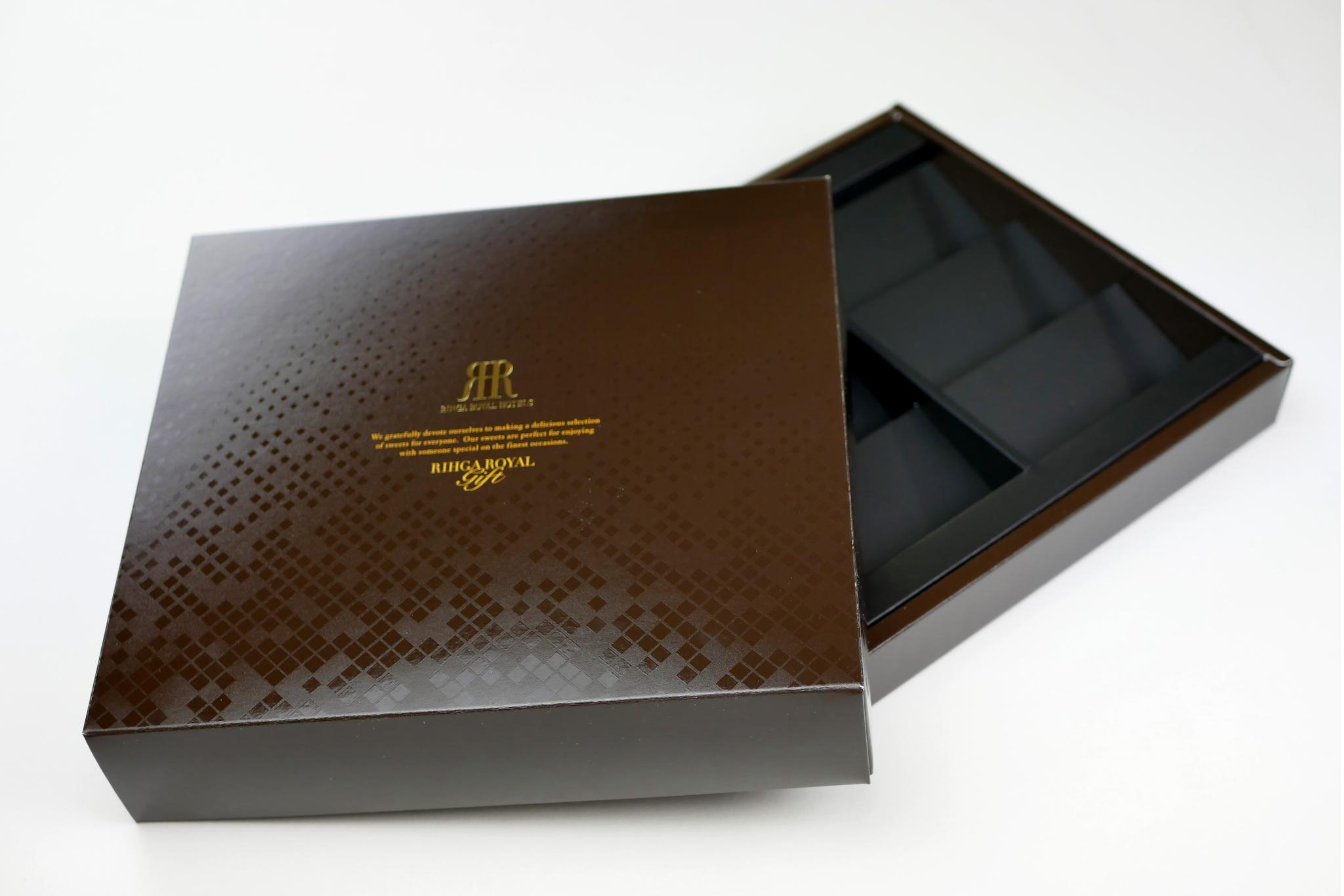 ギフトボックス ロイヤルクッキーのパッケージ写真です