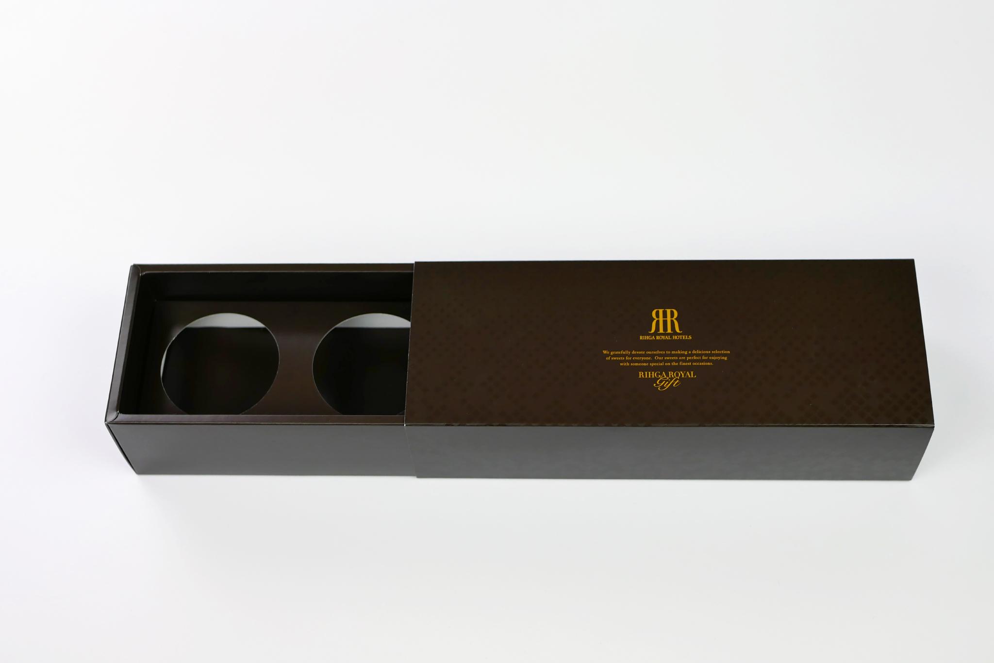 リーガロイヤルホテル様|ロイヤルカスタードプリン ギフトパッケージの写真です